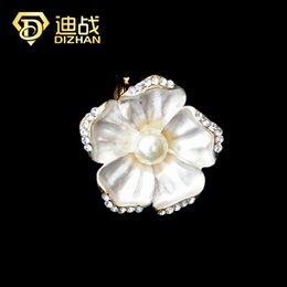 Wholesale Scarf Ring Buckle - Wholesale- Women Dress Jewelry Enamel Camellia Flower Imitation pearl Brooch pins Shawl Scarves Scarf buckle ring clips Brooch Accessories