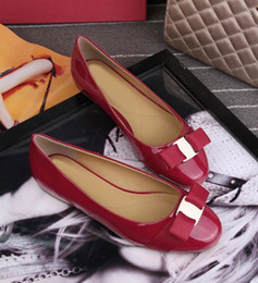Wholesale Wedding Flat Shoes Women - 2016 Famous zapatos mujer Slip On Loafers Ballet Flats Women Shoes Knot Bowtie Genuine Patent Leather Shoes Sz 35-41