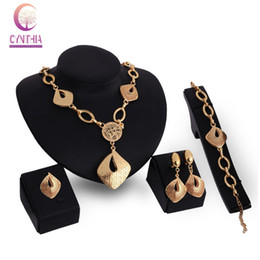 Wholesale Costume Rhinestone Necklace - Fashion Luxury Bridal Necklace Earring Bracelet Ring African Costume Dubai 18K Gold Plated Rhinestone Jewelry Sets