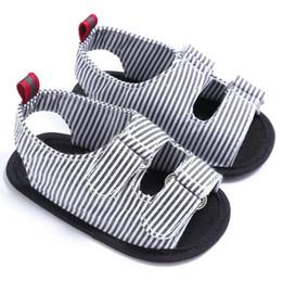 Envelopper les chaussures de bébé en Ligne-2017 D'été De Mode Bébé Garçons Enfants Chaussures Rayé Lit Bébé Landau Souple Solide Toddler Bébé Chaussures Pour Nouveau-Né 0-18 M S2 E1