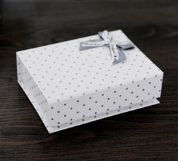 Wholesale Festival Top - [Simple Seven] Retail Festival Gray Dot White Paper Box for Jewelry, Bracelet Packing with Bow, Classic Necklace Flip Top Box