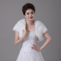 Wholesale Bridesmaids Faux Fur - 2016 White Winter Wedding Shawls for Dresses New Faux Fur bridal jacket For Christmas bridesmaid wraps