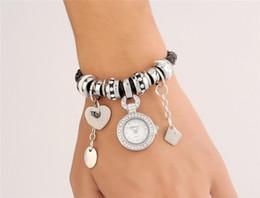 Кварцевые часы серебряный плетеный PU Кожаный ремешок часы с бисером подвески кулон браслеты часы женщины платье часы диск сердце браслеты от Поставщики кожаный браслет часы
