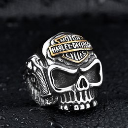 Wholesale Stainless Skull Rings - Europe Harley wings spear skull ring ring stainless steel jewelry wholesale men's personality
