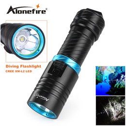 Wholesale dive hunting - Alonefire DV30 Portable 2000LM CREE XM-L2 LED Waterproof Torch Flashlight Light Scuba 100m Underwater Diving Flashlights