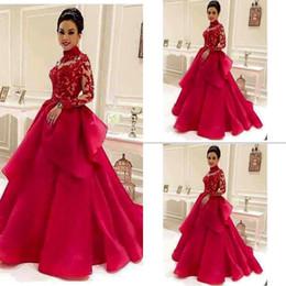broderie à la mode Promotion Robe rouge De Novia à manches longues, col haut avec des broderies à volants Organza mariage de mode Robes de mariée sur mesure BA2335