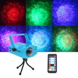 Musik-wasserlampen online-3 watt fernbedienung rgb led wasser welle welligkeitseffekt bühnenlicht lampe musik auto party dj laser projektor ac85-265v
