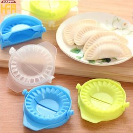 Wholesale Household Hand Tools - Dumpling Maker Plastic Dumpling Mold Mould Tool Creative Hand Made Household Dumplings Moulds Kitchen Cooking Tool Mixed Color