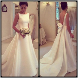 Wholesale Princess Bride Wedding Dresses - 2017 Simple Ivory Wedding Dresses Robe De Mariage Vintage A Line Long Bridal Gowns Vestidos De Novia Satin Plus Size Brides Dresses