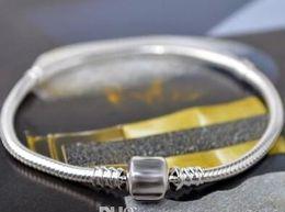 2016 Nueva serpiente Pulsera de cadena 925 logo chapado pulseras de plata Cadena DIY aptos granos europeos Amor logo Vogue Venta al por menor venta al por mayor desde fabricantes
