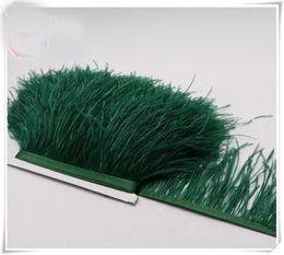 Penas de avestruz verde escuro on-line-Atacado 10 jardas / lote verde escuro 5-6 polegada de largura pena de avestruz guarnição franja para o vestido de costura artesanato saia fornecimento