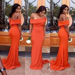 Vestito arancione sexy dalla ragazza online-2019 Sexy Off Spalla Prom Dresses per le ragazze nere sudafricane Colore arancione Abiti lunghi Abiti da sera Formale partito