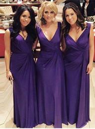Дешевые Фиолетовый Длинные Платья Невесты V Шеи На Заказ Страна Невесты Платья Столбец Свадебные Платья Гостей 2017 Онлайн от
