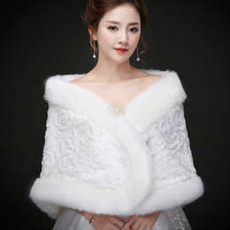 Wholesale Cheap White Fur Coats - Real pictures Elegant Faux Fur Bridal Wraps Women Shawl For Special Occasion White Cheap Wedding Shawl Free Size for Winter