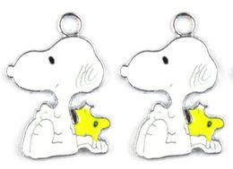 Deutschland Neue Klassische Animation 50 Stücke Cartoon Snoopy Weiß Metall Charme Anhänger Schmuck Machen Spielzeug Geschenk Versorgung
