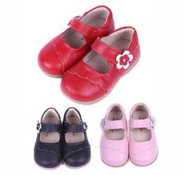 Wholesale Little Girls Red Shoes - New Handmade Toddler Little Girls Princess Shoes Genuine Leather Flower Handmade Edgefold Anti-friction Soft Anti-slip TPR Sole