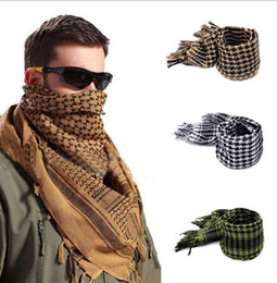 Wholesale men shemagh - Cotton Muslim Hijab Scarf Shemagh Tactical Desert Arabic Scarf Arab Scarves Men Winter Military Windproof Scarf 110*110CM KKA3566