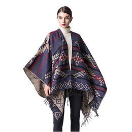 2017 Chaleco Geométrico Étnico Mujeres Bohemia Cachemira Borla Poncho Azteca Pashmina Largo Kimono de Punto Capas Envuelve Cardigan desde fabricantes