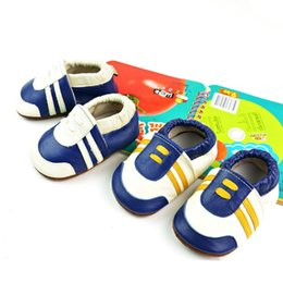 Wholesale Model Shoes Boys - New leather simple style baby shoes blue and white girls boys First Walker summer models anti-slip rubber sole shoes free shipping
