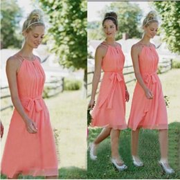 Wholesale Halter Knee Length Wedding Dress - 2016 Country Style Cheap Short Bridesmaid Dresses For Wedding Beach Coral Maid Of Honor Dresses Knee Length Cheap Party Gowns