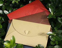 Wholesale Shaped Invitations - Wholesale-10pcs Western style Mixed Colour Big Vintage Paper Envelope with Heart Shape for Wedding Invitation  Card Packing Decoration