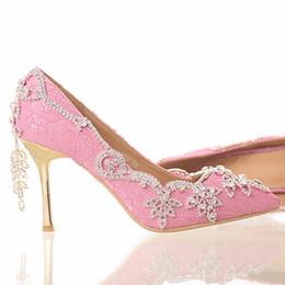 Pompe stilettine nappa strass online-Scarpe da sposa in pizzo rosa con strass nappa con tacco a spillo tacco alto abito da sposa scarpe a punta con tacco Crystal formali pompe di vestito
