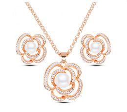 Wholesale Mother Pearl Flower Necklaces - Fashion Crystal Pearl Jewelry Set High Grade Flower Necklace Earrings Set For Women Jewelry Set Full Crystal Jewelry 2016062