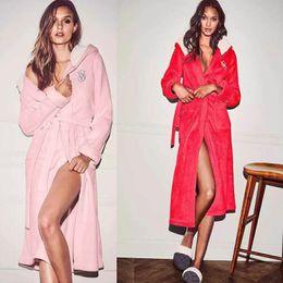 Wholesale Cheap Women Robes - New Arrival 2018 Winter Woman Hooded Robes Flannel Bathrobe Long Sleeves Wedding Party Robe Cheap Warm Sleepwear