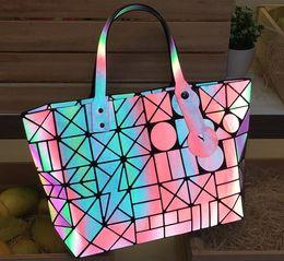 Argentina Bolso de las mujeres del estilo Bolso grande geométrico noctilucente Bolso de la alta calidad del diseñador de la marca de lujo cheap designer geometric tote bag Suministro