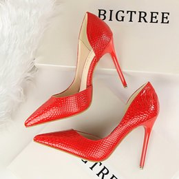 Wholesale Women Wedding Shoes Stones - 2017 Shoes Women Pumps Sexy Red Pumps High Heels Shoes Fashion Luxury Stone Sapato Feminino Wedding Shoe Party Shoes DS638-2