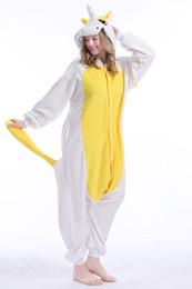 Stock 2018 Giallo Unicorn Kigurumi Pigiama Abiti animali Cosplay Costume di Halloween Per adulti Abbigliamento Cartoon Tute Unisex Animale Sleepwear da