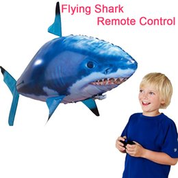 Wholesale Inflatable Boxing Toy - Fly Fish Retail Box Package Indoor Infra-red RC Inflatable Balloons Shark Shape Toy Flying in air Blimp Balloon