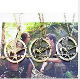 Wholesale Mockingjay Necklace Movie Katniss - The Hunger Games Necklaces Inspired Mockingjay Arrow Pendant Necklace Authentic Prop Imitation Jewelry Katniss Movie The Hunger Games