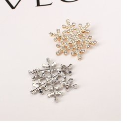 Wholesale Gold Snowflake Brooch - Christmas snowflake brooches for women New Fashion Silver Gold Plated Crystal Snowflake Brooch Free Shipping WA1404