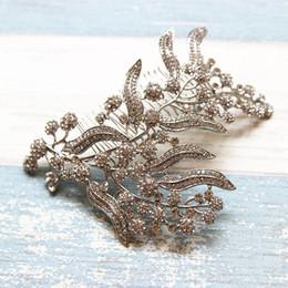 capelli pettine donne Sconti Beijia Shine Strass Flower Bridal Headpiece Hair Comb Silver Wedding Jewelry Accessori per capelli Donna Tiara Hairwear