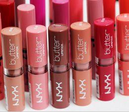 Labio barato online-El maquillaje profesional barato del LÁPIZ LABIAL de la MANTEQUILLA de NYX marca los palillos de labio duraderos del lustre del labio calificados 12 colores mezclados DHL liberan el envío