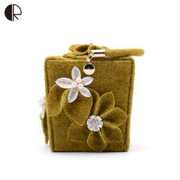 Wholesale Day Bag Beading - Wholesale-2016 Women Velour Handbag Beading Flower Shoulder Bag Ladies Trunk Day Clutch Wedding Party Unique Evening Minaudiere Bag BH820
