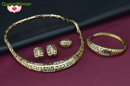 Wholesale Wholesale Costume Diamond Jewelry - New Arrival African Costume 18K Gold Plated Jewelry sets Rhinestone Dubai Gold Necklace Set Vintage Wedding Accessories Gift For Women A014