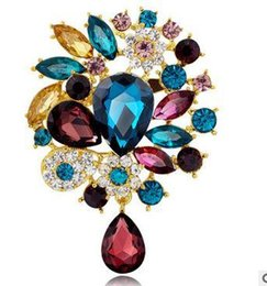 Wholesale Copper Enamelling Supplies - 2016 new postage-free selling alloy crystal acrylic retro flower brooch Yiwu wholesale supply manufacturers