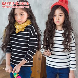 Wholesale Korean Clothing For Kids - New Korean Girls T-shirts Tops Pure Cotton Striped Pattern T-shirt Tee For Big Girl Clothing Shirts Casual Kids Top White Black A7546