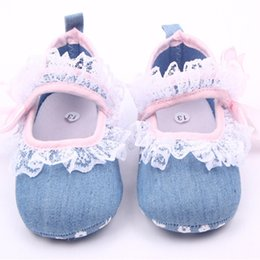 Wholesale Zapatos Flower Girl - Newborn Lace First Walker Party Denim Baby Girls Flower Shoes Crib Babe Ballet Dress Prewalkers Shoes Sapato Bebe Zapatos