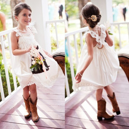 Wholesale Simple Flower Dresses Kids - Lovely Simple White Chiffon Flower Girls Dresses Spaghetti Straps Kids Formal Dresses for Country Wedding Pleats Appliques Knee Length