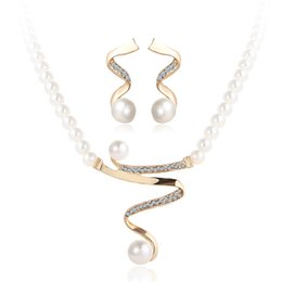 Wholesale Gold Pearls Bride Accessories Sets - Hot style wedding jewelry sets imitation pearl necklaces earrings crystal pendant necklace set bride wedding accessories jewelry set