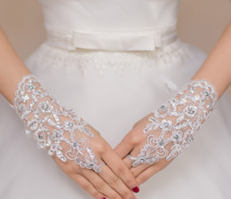 Wholesale sequin fingerless gloves - About Wrist Length Fingerless Short Bridal Gloves Rhinestone Sequins Lace Formal Party Banquet Glove For Wemen's