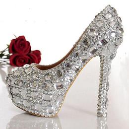 2019 серебряный закрытый носок для новобрачных Мода женщина горячие продажи кристалл алмаза свадебные туфли на высоком каблуке серебро свадебные туфли сексуальные закрытые Toe ночной клуб обувь скидка серебряный закрытый носок для новобрачных