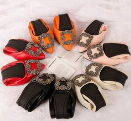 Wholesale dress super star - Fashion Silk Surface Women Super Star Style ballet Shoes Woman Rhinestone Wedding Party Women Shoes Super soft Little swan