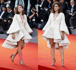 Wholesale Long Sleeve Mini Dresses - Eleonora Carisi Ivroy Short Prom Evening Dresses 73rd Venice Film Festival 2016 A-Line Deep V-Neck Long Sleeve Lace Party Celebrity Gowns