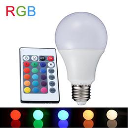 Lampada led rgb e27 en Ligne-RGB LED Lampe E27 3W 5W 7W Lampada LED RGB Ampoule 90-260V SMD5050 16 Couleurs Remplaçable Décoré Télécommande IR A65-80
