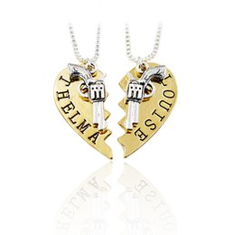Wholesale Forever 12 - THELMA LOUISE Bonnie Clyde Pendant Necklaces Guns Heart Friendship Adventure Best Friends Forever Keepsake Gift 24pcs=12 sets