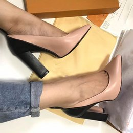 Wholesale Designer Shoes Heels - hot! 2017 fashion luxury women genuine leather thick heels shoes fashion Point toe print shoes L designer size 35-40